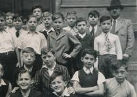 Zdeněk Kukal (vlevo) v 5. třídě
