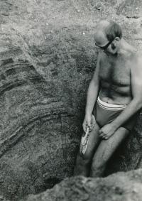 Titanové písky (Černé moře, 1983-84)