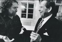 J. Skalník s V. Havlem přibližně rok 1990