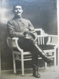 Otec pamětnice Václav Krámský v ruské uniformě (20. léta)