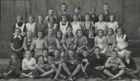 Fotografie školní třídy ve Staňkově