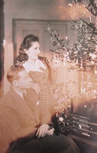 První Vánoce v roce 1946 v Libině. Marie a Josef Dedeciusovi