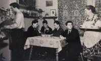 Anna Eliášová se svými syny