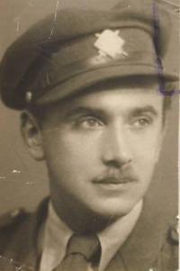 Jansky April 1945 a front photo