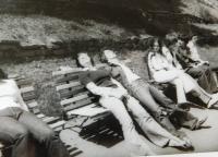 Hana Ryšková (Holcnerová) s přáteli