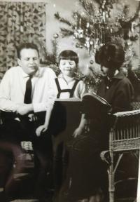 Hana Ryšková (Holcnerová) s rodiči