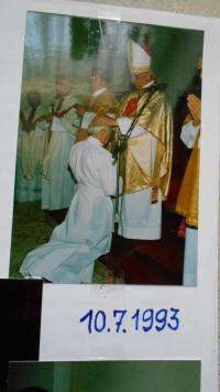 10.7.1993 vysvěcen biskupem Litoměřickým Liškou na jáhna