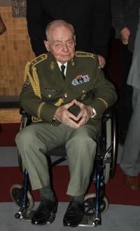 generál Kácha na vernisáži výstavy - únor 2008