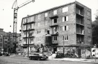 Fabinger - stavba bytovky Jeremenkova 1969