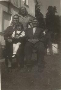 Ludmila Uhlirova (Stárková) with parents Anthony and Emilie