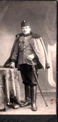 Otec Josef Čáslavka jako dragoun v první světové válce, 1917