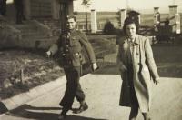 96 Německý zajatec jako pomoc na statku