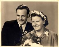 Jan a Marie Sedláčkovi / svatební foto / 1955