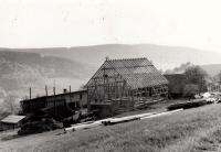 Stavba nové stáje / 1970