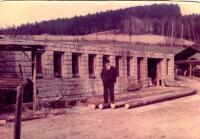 Stavba nové stáje /otec Jana Sedláčka / 1970