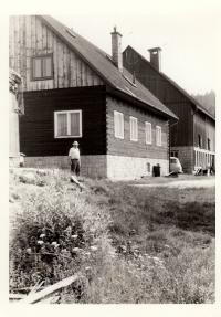 Chalupa a stáj Sedláčkových / konec 70. let