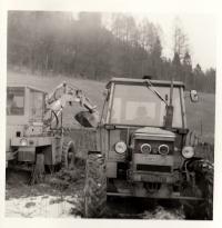 Stroje JZD v Růžďce / konec 70. let