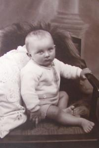 Břetislav Loubal, childhood, May 1, 1932
