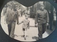 Miroslav Soukup s otcem (vlevo) a bratrem Františkem, 1938