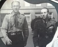 Miroslav Soukup vpravo, Skaut 1945