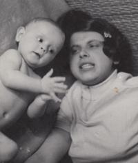 David Kabzan s maminkou, 1970