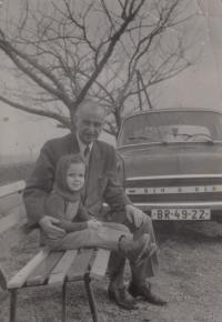 David Kabzan s dědečkem Schneeweissem, 1972