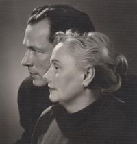 Babička dr. Zdena Kabzanová a dědeček Jan Kabzan
