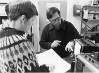 The Vasulkas in their Buffalo studio (NY, United States), 1978. (Snímek nesmí být použit k jiným než vzdělávacím účelům.)