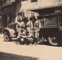 Ruští vojáci v Praze po osvobození, květen 1945