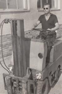 Opravářem vysokozdvižných vozíků, druhá polovina 50. let
