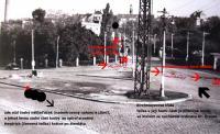 Přibližná poloha českého náklaďáčku, o který se opíral Heydrich po atentátu. Černá tečka nahoře na Kirchmayerově třídě ukazuje místo, kde zhruba stála ordinace Dr. Krauseho. Červené šipky - směr úniku Jana Kubiše a Josefa Gabčika