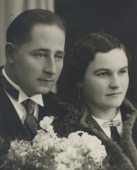 Karabelovi František a Jarmila, svatební fotografie