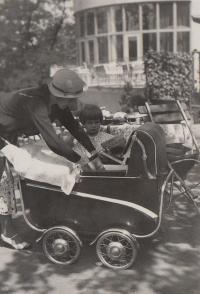 Hana 1934 mimino