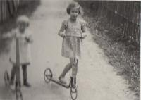Hana a Eva 1938