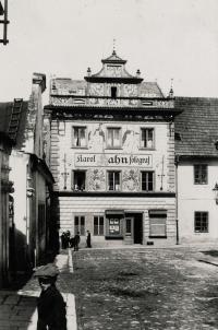 Rodný dům otce Zdeňka Hahna - Klatovy 33