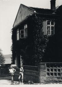 Rodný dům matky Marie Santnerové v Týnci