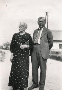 Zdeněk Hahn s tchýní