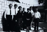 Babička a Josef, František, Marie, Anna, Ludmila, Karel a Jan