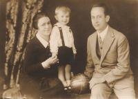 Zdeněk Hříbal s rodiči