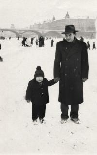 Hryzlík Jiří s dcerou, 1952