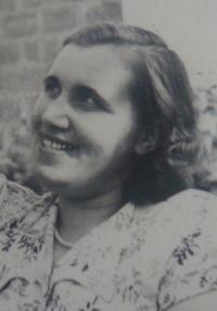 Anna Strelkov