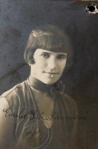 Maminka Emilie Grünbaumová (Fischerová) v roce 1931