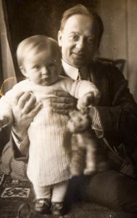 S rodiči na Smíchově - 1927 I.