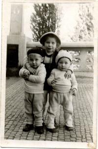 Františka Hocková se svými sourozenci