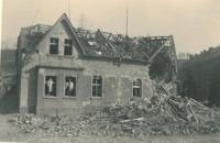 Dům babičky Marie Hnitkové po náletě, Kralupy nad Vltavou, březen 1945