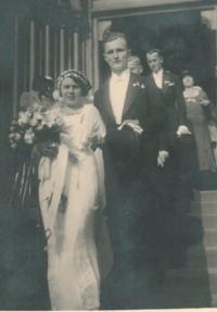 Svatba rodičů pamětnice, u sv.Ludmily Praha Vinohrady, 1932