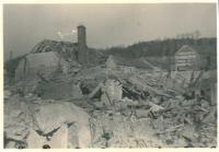 Kralupy po náletu, březen 1945