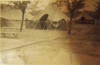 Ležení amerických vojáků v borském parku v Plzni, 1945