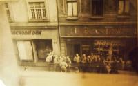 Američtí vojáci v Plzni, Prešovská ulice, 1945