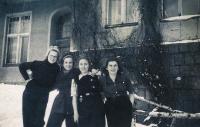 1949, Scout, Bibiana right